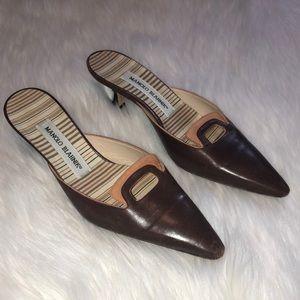 manolo blahnik brown slip on kitten heel